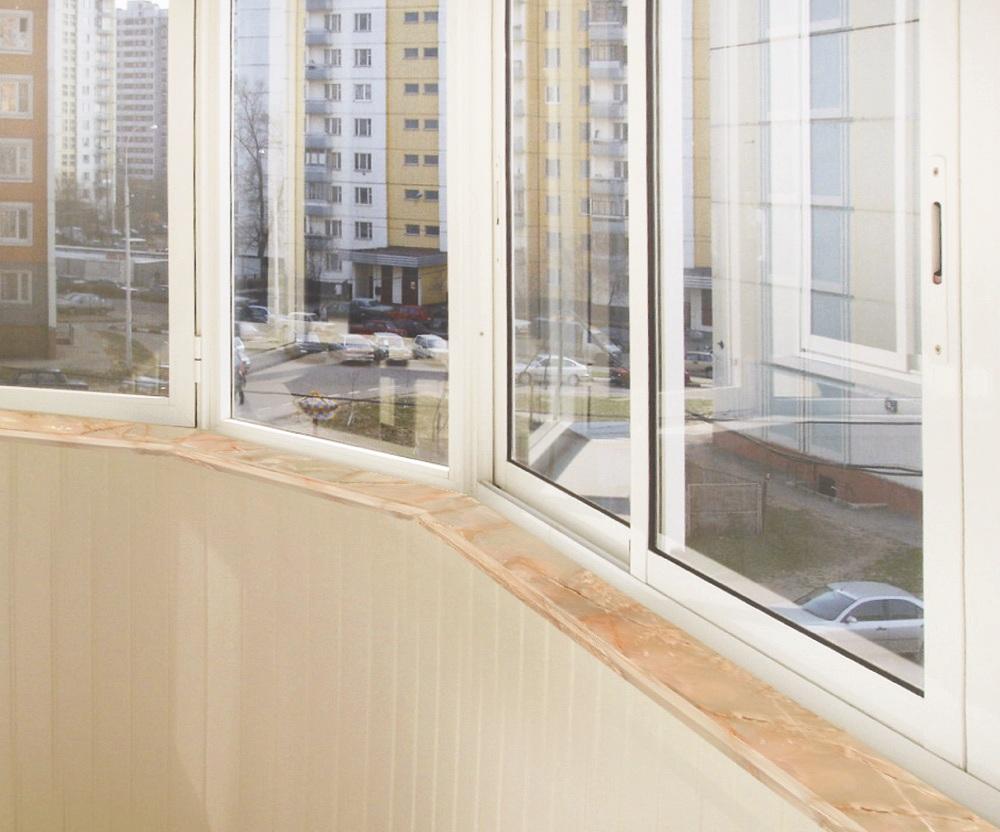 Балкон без подоконников..
